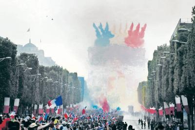 Los campeones y la Copa del Mundo ya están en Francia