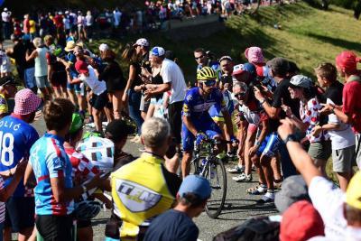 Julian Alaphilippe se impuso en la etapa 10 del Tour de Francia