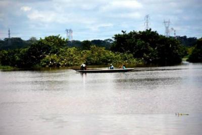 Hallan cuerpo con signos de tortura en el río Magdalena