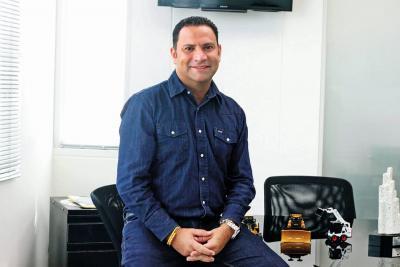 Julián Andrés Serrano Gómez: Un experto construyendo progreso