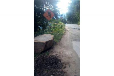 Exigen muro de contención  en tramo de vía a Los Curos