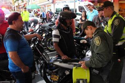Autoridades contrarrestan el hurto a motos con marcación de partes