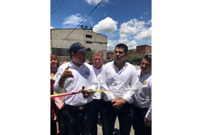 Gobernador inauguró cinco obras en la ciudad