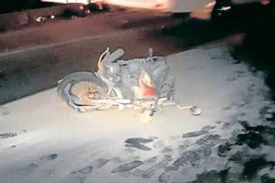 Motociclista en Santander murió al chocar contra un bus