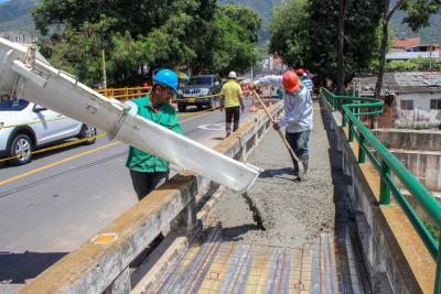 Puente Eliécer Fonseca en Girón, objeto de mantenimiento general