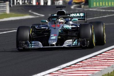 Lewis Hamilton reforzó su liderato al ganar por quinta vez en Hungría
