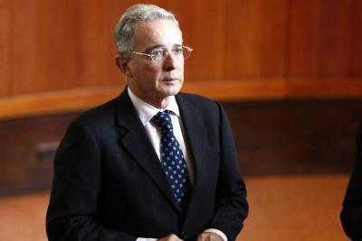 """""""Si Uribe tiene pruebas en mi contra lo reto a que me denuncie"""": Carlos Toro"""