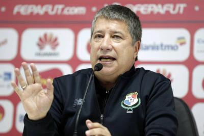 Bolillo Gómez asume la dirección de la Selección del Ecuador