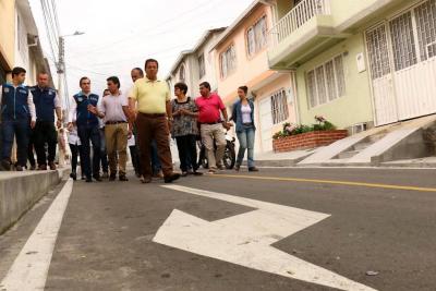 Obras de alcantarillado y pavimentación son entregadas oficialmente