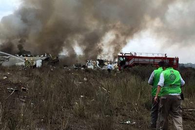 Pasajero grabó el accidente del avión que cayó en México