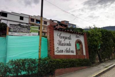 Cdmb selló la ocupación del cauce en obra de la Alcaldía de Girón