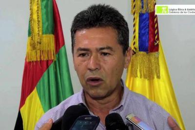 Contraloría pide suspender a José Barrera, gerente de la Emab