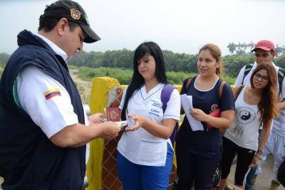 Venezolanos ya pueden reclamar su solicitud de permanencia en Colombia