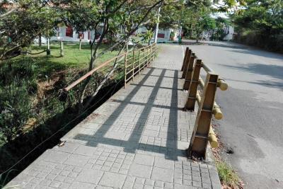 En Paseo Cataluña, un puente requiere ajustes