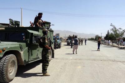 Al menos 30 muertos y 50 heridos tras atentado a mezquita en Afganistán