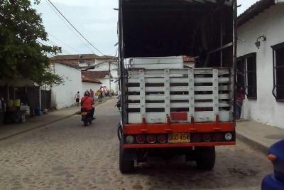 Los vehículos pesados transitan sin control
