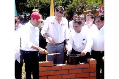 Instalan 'primera piedra' para nueva planta de ESE Barichara