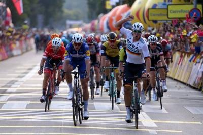 Ackermann venció al sprint a Álvaro Hodeg