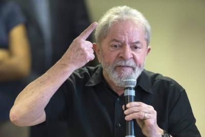 Lula da Silva, tras las rejas, va por la Presidencia