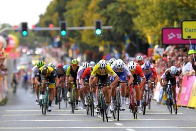 Ackermann repite triunfo sobre Hodeg en Polonia