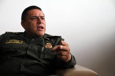 """Citan a interrogatorio al general Guatibonza por """"chuzadas"""""""