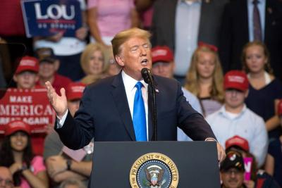 Trump admite que su hijo se reunió con abogada rusa