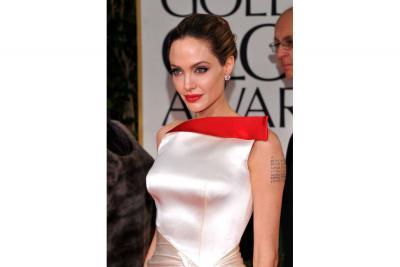 """Abogada de Angelina Jolie  habría renunciado, """"harta de su actitud irracional"""""""