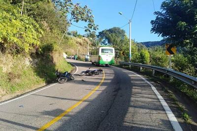 Choque de motos en Santander dejó un muerto y un herido
