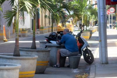 Algunos bumangueses  insisten en no respetar  el 'urbanismo táctico'