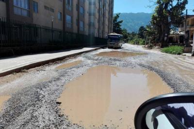 Piden arreglo de vías en Valle de Barroblanco