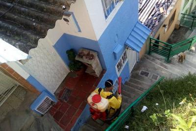 Siguen las jornadas de fumigación en barrios