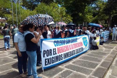 Docentes unidos protestaron por negligencia administrativa