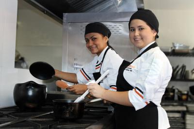 Estudiantes de Tecnología en Gestión Gastronómica de la UNAB están de intercambio en México