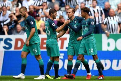 Con Sánchez en la titular, Tottenham venció 2-1 al Newcastle