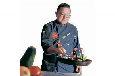 """""""Busco innovar con lo nuestro"""":  Chef Carlos Contreras"""