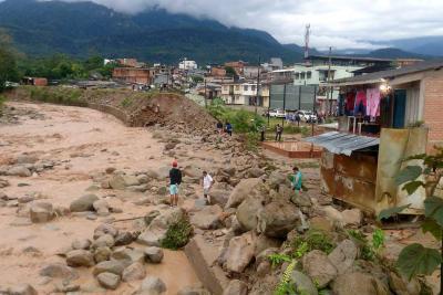 Gobierno activa plan para atender afectados en Mocoa