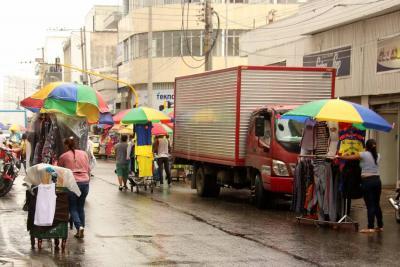 Duras críticas al proceso de traslado de ventas ambulantes al centro de Bucaramanga
