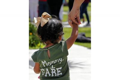 Senadores de EE.UU. exigen que 539 niños vuelvan a sus familias