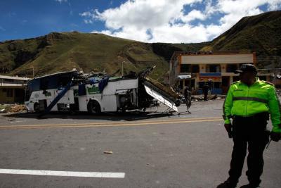 Bus accidentado en Ecuador y que dejó 24 muertos registra dos multas de tránsito en Floridablanca
