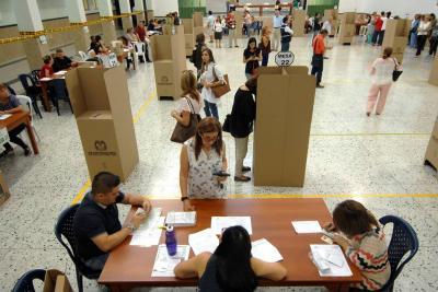 Evalúan posibles traslados de mesas de votación para Consulta Anticorrupción