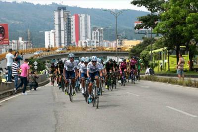 Así se vivió la llegada de la Vuelta a Colombia a Bucaramanga