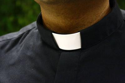 """""""Los sacerdotes estaban violando a niños y niñas, y los hombres que eran responsables de ellos no solo no hicieron nada sino que lo escondieron todo. Durante décadas"""", denuncia el informe."""