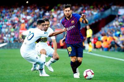 Barcelona superó ayer 3-0 a Boca Junior y se quedó con el Trofeo Joan Gamper, en un encuentro que los dos elencos aprovecharon para realizar pruebas de cara a la temporada 2018 - 2019.