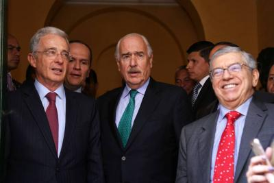 Expresidentes Uribe, Gaviria y Pastrana acordaron agenda legislativa del país