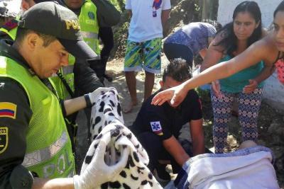 Policía y paramédicos atendieron parto en vía pública de Bucaramanga