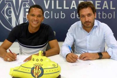 Carlos Bacca firmó con el Villarreal por cuatro temporadas