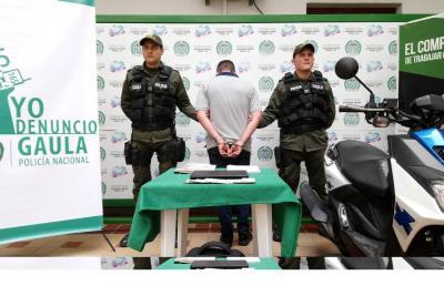 Capturan a hombre que extorsionaba a una mujer en Bucaramanga