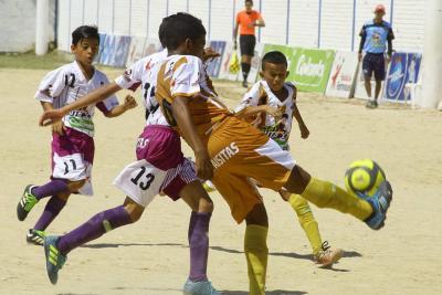 El gol se pasea en el inicio del Baby Fútbol