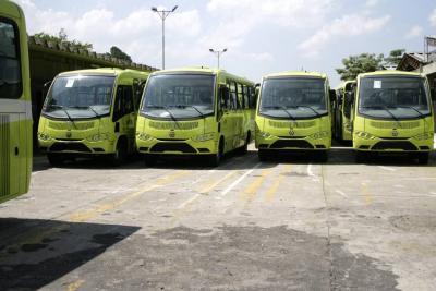 De acuerdo con los datos publicados por la Supertransporte, en el territorio nacional actualmente existen ocho sistemas de transporte masivo: Transmilenio Troncal, Transmilenio Sitp, Transmetro, Metroplus, MIO, Megabús, Transcaribe (en implementación) y Metrolínea.