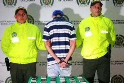 Detienen a hombre por tener celulares robados en su negocio en Bucaramanga